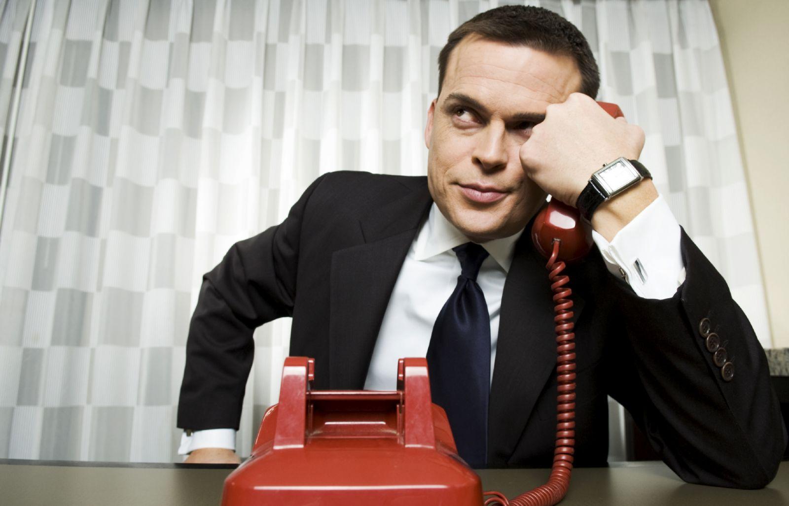 Звонят коллекторы по чужим долгам, что делать?
