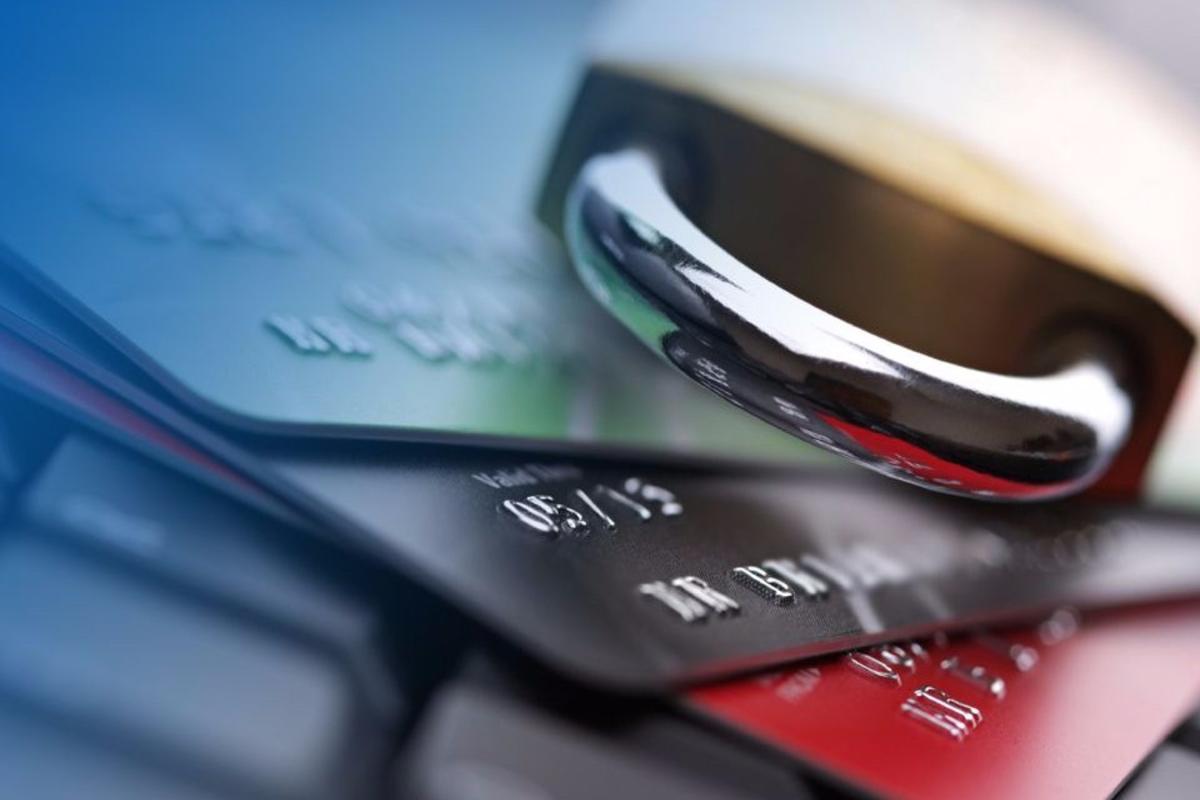 Сведения о расчетных счетах должника