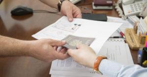 Как самостоятельно собрать документы и подать на банкротство физическому лицу